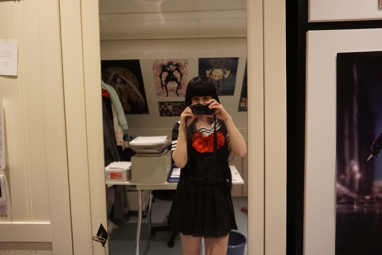 I chose for the size M, I'm normally XS/S. I am very happy with it, it fits nicely! Good quality in my opinion!