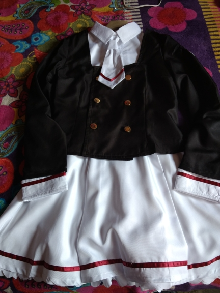 I am Mexican, cosplay came much earlier than expected which was great!! get nicely watch out and packaging. The dress I'm perfect But the sack a little big, however nothing that can not be patch up. Highly recommended!!